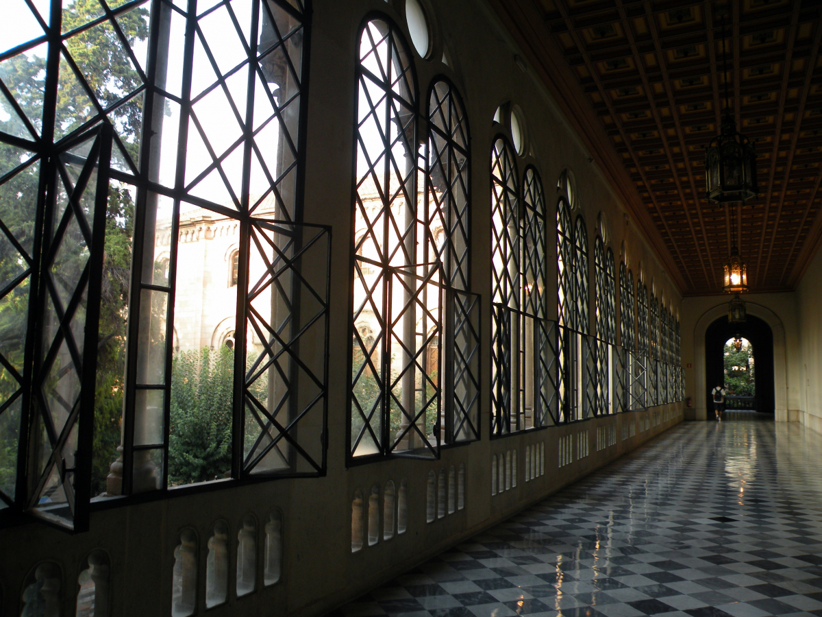 Cinco lugares escondidos en Barcelona - La Universidad de Barcelona, es una visita necesaria
